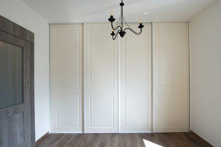frézované, striekané posuvné dvere